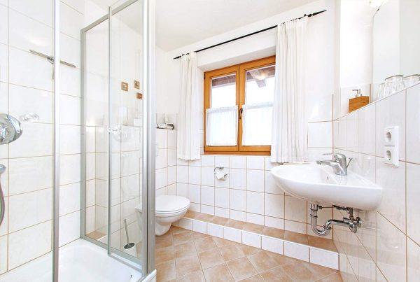 Ferienwohnung Unterberg - Bad mit Dusche